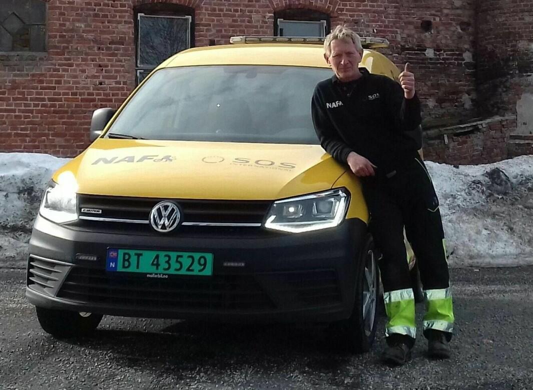 "<span class=""font-weight-bold"" data-lab-font_weight_desktop=""font-weight-bold"">NAF-VOLVOEN:</span> Egil Jakobsen i Asker savner sin gamle NAF-veipatruljebil Volvo 240 – når han nå har VW Caddy som arbeidsplass."