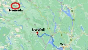 """<span class="""" font-weight-bold"""" data-lab-font_weight_desktop=""""font-weight-bold"""">BARE HALVVEIS: </span>Norefjell ligger mye nærmere Oslo enn Hemsedal."""