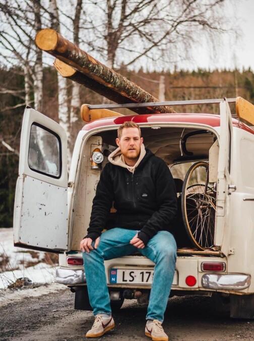 Eldre arbeidsbiler er den nye hytta!