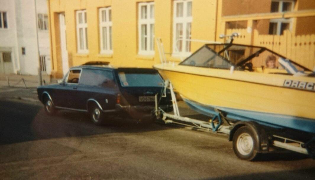 "<span class=""font-weight-bold"" data-lab-font_weight_desktop=""font-weight-bold"">HADDE ALT: </span>På 1980-tallet lånte Ford varebil-entusiast Knut Thomsen i Trondheim en linjelekker Draco fritidsbåt av en kompis."