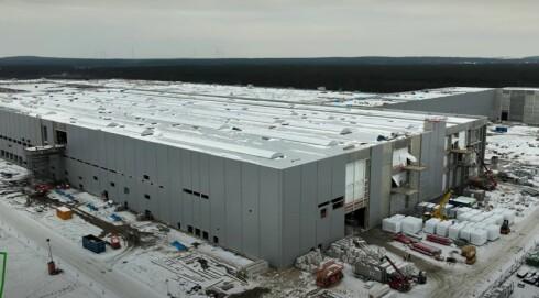 – Teslas europaproduksjon utsatt til neste år