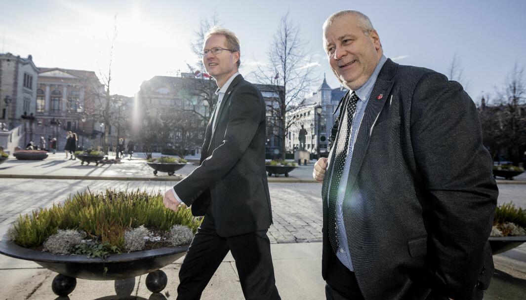 GØNNER PÅ ALENE: Frp'erne Bård Hoksrud og Tor Andre Johnsen (t.v.) lovet «å gønne på» ytterligere i samferdselsutbyggingen, men får ikke støtte fra noe flertall på Stortinget.