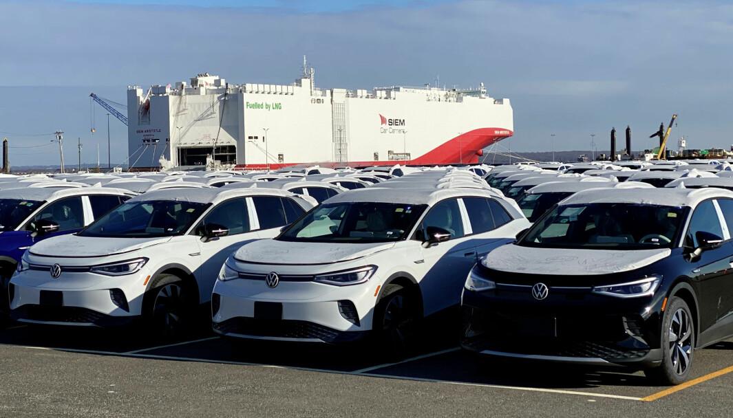 KLARE: VW vil ha enda flere elbiler – som disse ID.4 – ut på det europeiske markedet de neste årene.