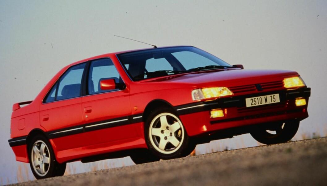 """<span class="""" font-weight-bold"""" data-lab-font_weight_desktop=""""font-weight-bold"""">KLASSIKER:</span> Peugeot 405 T16 hadde 220 turbohester og firehjulsdrift allerede tidlig på 90-tallet."""