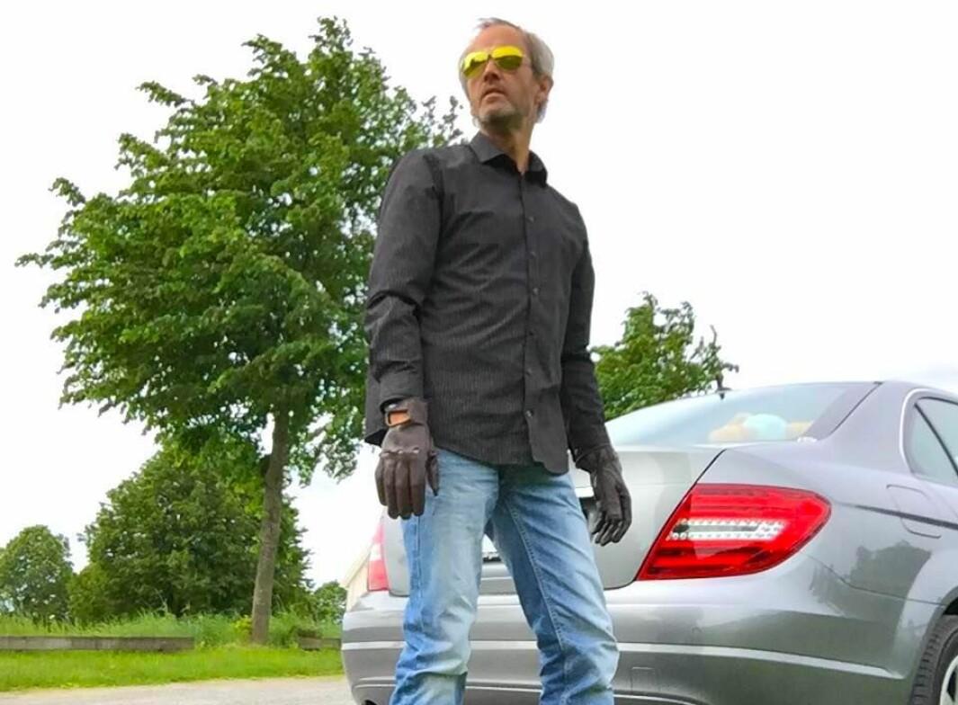 """<span class=""""font-weight-bold"""" data-lab-font_weight_desktop=""""font-weight-bold"""">BAKMANN: </span>Harald Morten Utness tar ansvar for å misjonere Mercedes-religionen gjennom stadige innlegg i netfora – og som skribent for klubbmagasinet."""