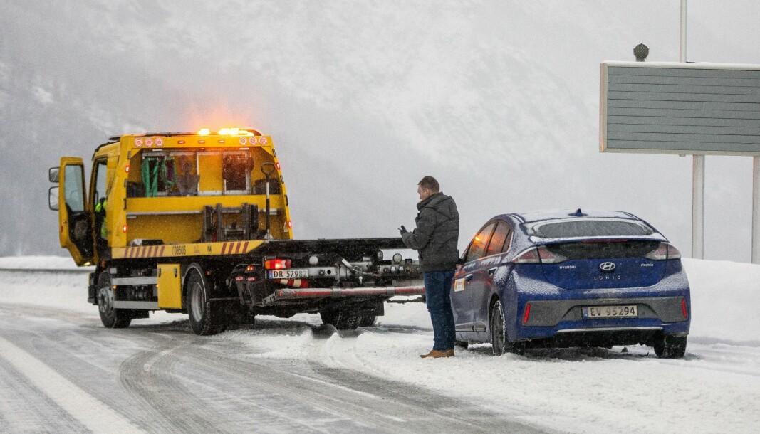 IKKE OFTERE: NAFs bilbergere har ikke konstatert noen overrepresentasjon av elbiler med flatt startbatteri i vinter.