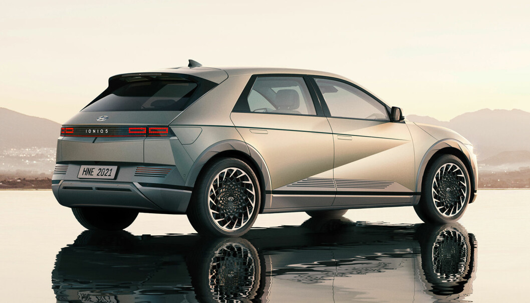 "<span class="" font-weight-bold"" data-lab-font_weight_desktop=""font-weight-bold"">TRO MOT KONSEPTET:</span> Ioniq 5 har beholdt designtrekkene fra konseptbilen, som ble vist i fjor, Hyundai 45."