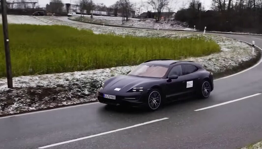 IKKE LANGT UNNA: Porsche Taycan Cross Turismo kommer snart i produksjon og ventes til sommeren.