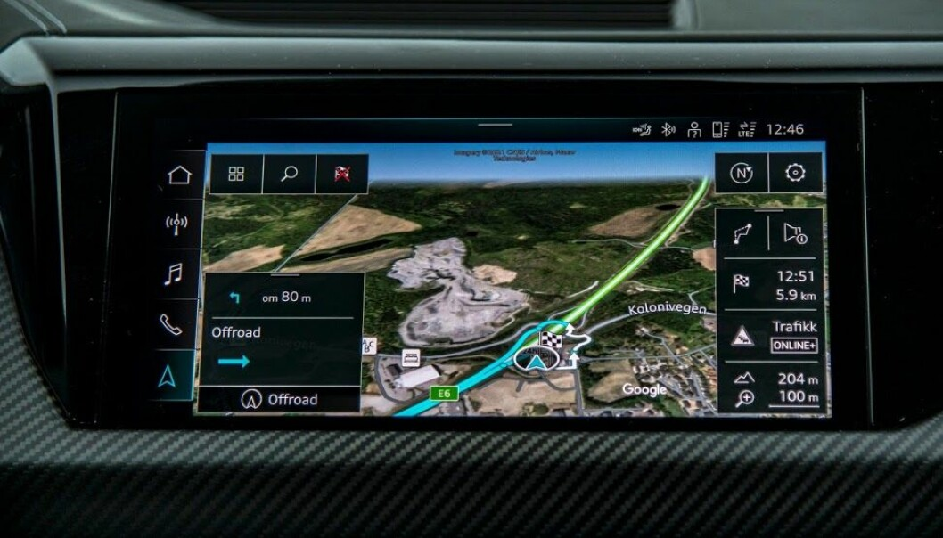"""<span class="""" font-weight-bold"""" data-lab-font_weight_desktop=""""font-weight-bold"""">SKARPT: </span>Navigasjonssystemet til Audi er både tydelig i visningen og presist i beregningen."""