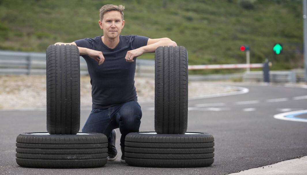SKEPTISK: Helårsdekk er fortsatt langt etter når det gjelder sikkerhetsnivå på vinterføre, mener dekkeksperten Nils Svärd i magasinet Vi Bilägare.