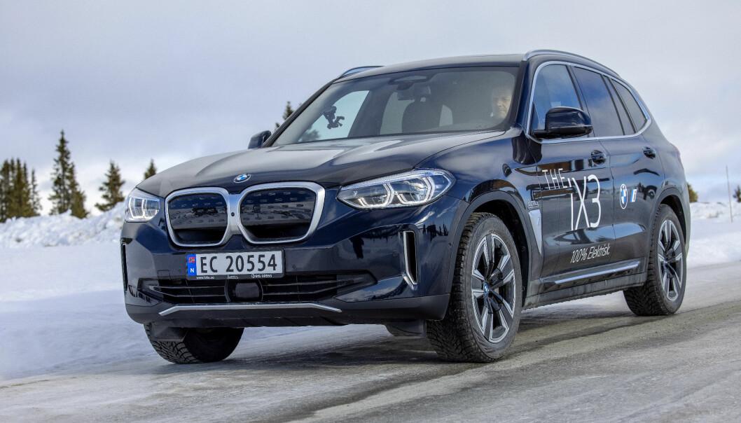 IMPONERER: BMW iX3 går svært energieffektivt.