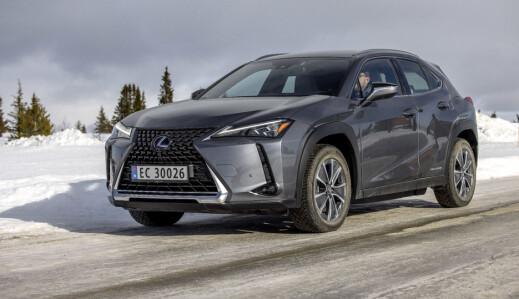 Lexus må sette ned prisen på elbilen UX 300e