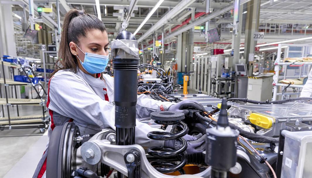 I ARBEID: Produksjonen av Audi Q4 har startet i gamle DDR. Bilen lanseres i april.