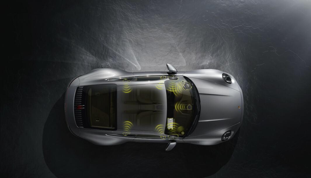 PREMIUM LYD: Porsche skryter av sin Bose-lyd, men en advokat mener det er like bra som standardanlegg.