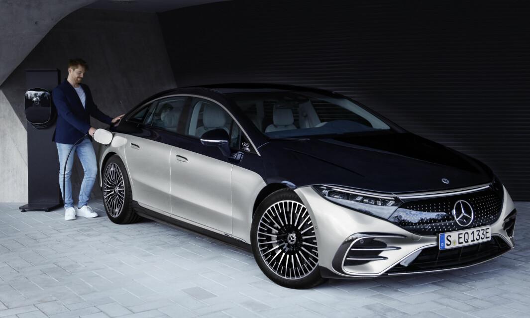 SATSER: Mercedes satser enda kraftigere på elbiler. Store EQS er like rundt hjørnet.