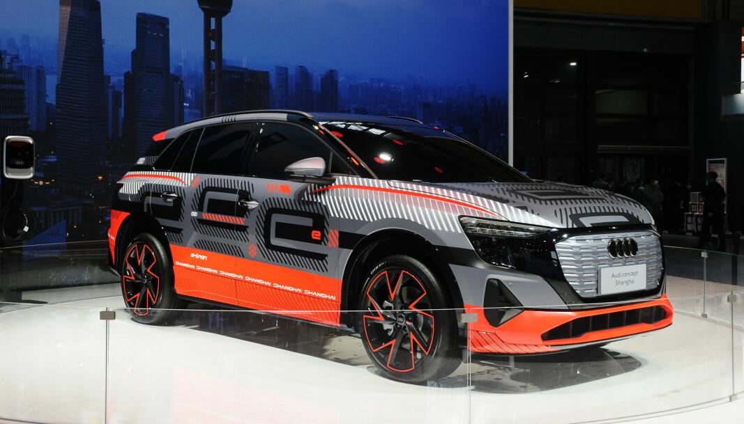 """<span class="""" font-weight-bold"""" data-lab-font_weight_desktop=""""font-weight-bold"""">AUDI CONCEPT SHANGHAI:</span> Audi holder kortene tett til brystet om denne store SUV-en, som vi tror er søstermodellen til MEB-baserte ID.6 og antakelig forbeholdt det kinesiske markedet."""