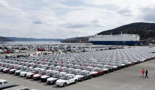 Frp og Sp raser mot EUs farvel til fossilbilen