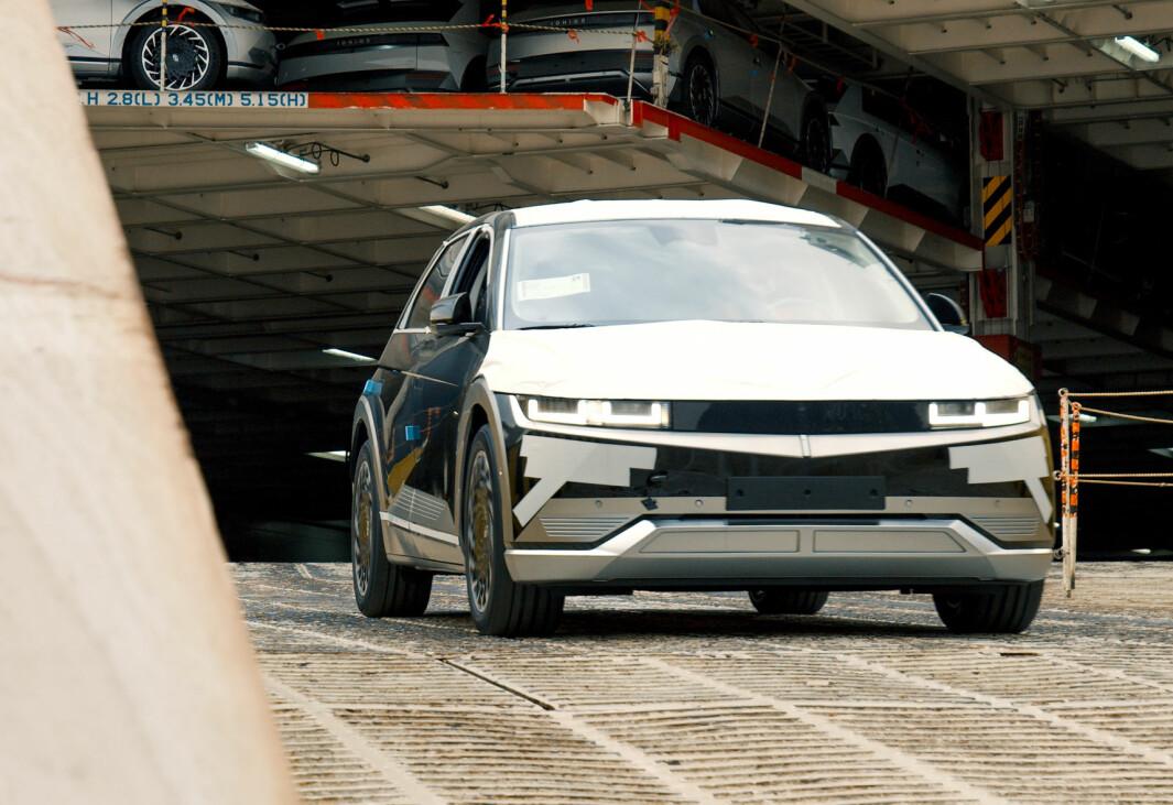 SNART I FORRETNINGEN: Den svært ettertraktede nykommeren fra Hyundai, elbilen Ioniq 5, vil leveres til kunder allerede fra denne måneden.