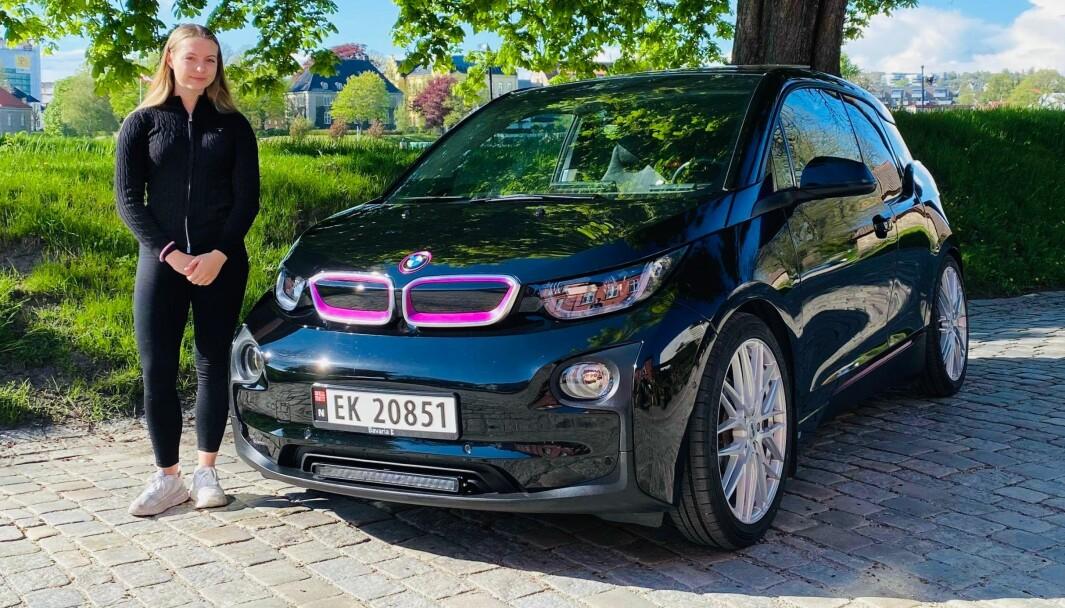 ILLE SPESIELL: – En anonym bil på strøm var egentlig langt fra hva jeg drømte om, sier Bettina Bø Fossum. Så hun ga sin i3 et skikkelig løft.