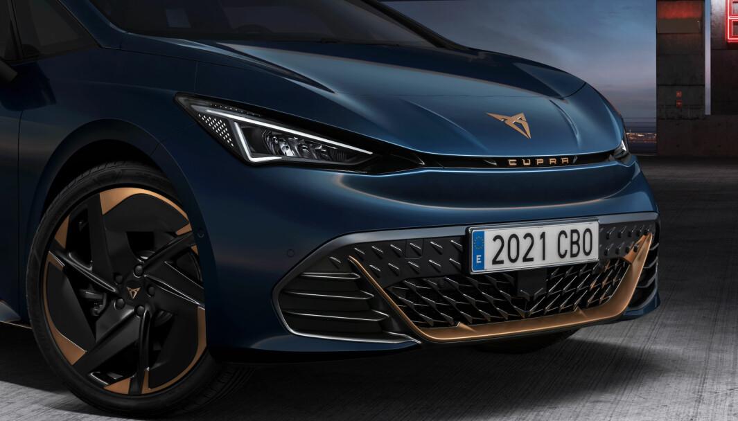 SÆRPREG: Fra denne vinkelen er det ikke lett å se at nye Cupra Born er tvillingen til VW ID.3.