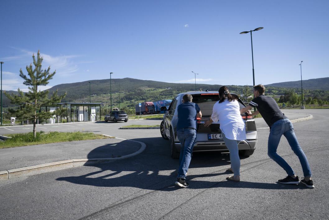 HIT, MEN IKKE LENGRE: Nye Ioniq 5 fra Hyundai vippet såvidt over 500 km. Men da var det også helt slutt…