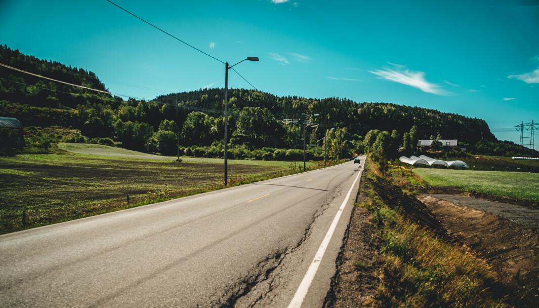 FLERE ULYKKER: Antallet dødsulykker synker på motorveiene, men øker på landets mange fylkesveier.