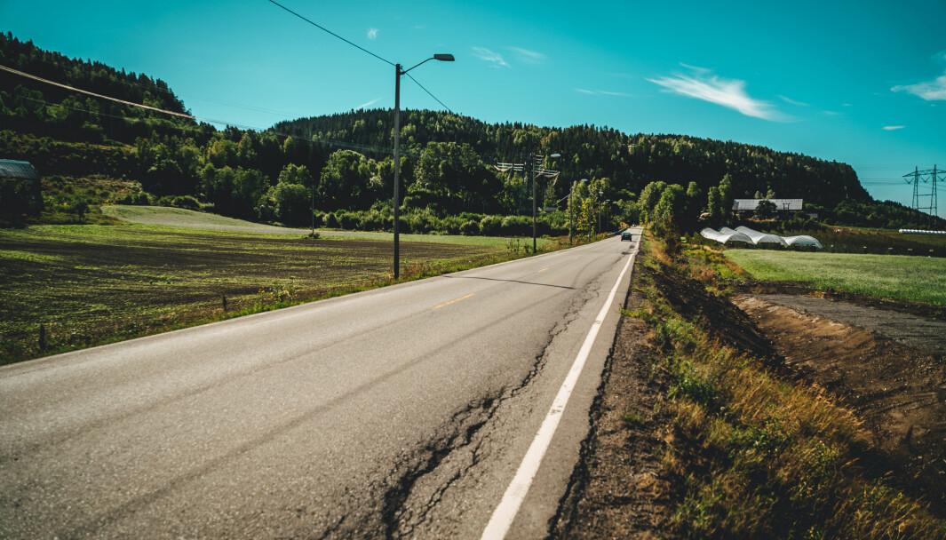 MÅ BEDRES: Staten bør igjen overta ansvaret for fylkesveiene hvis ikke vedlikeholdsetterslepet tas inn innen 2030, mener NAF.
