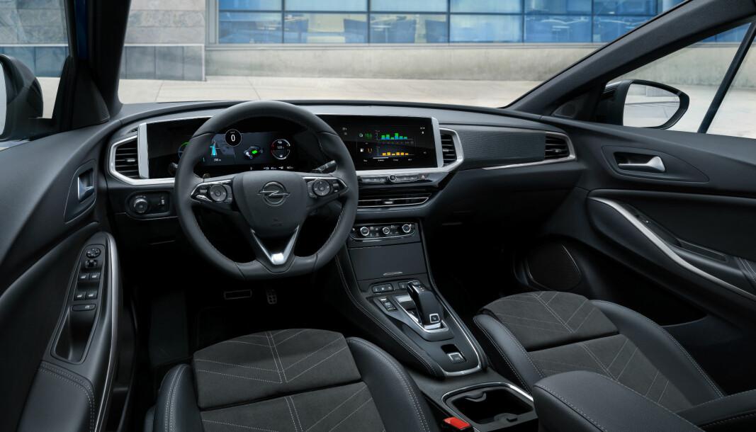 HELT NYTT: Også Opels kompakt-SUV Grandland har nå fått det nye instrumentpanelet.