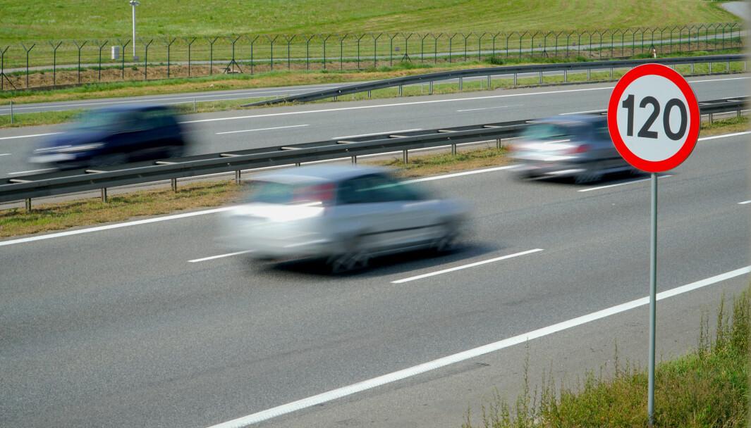 GØNNER PÅ: I dag får Frp flertall i Stortinget for å teste en fartsgrense på 120 km/t på utvalgte strekninger.