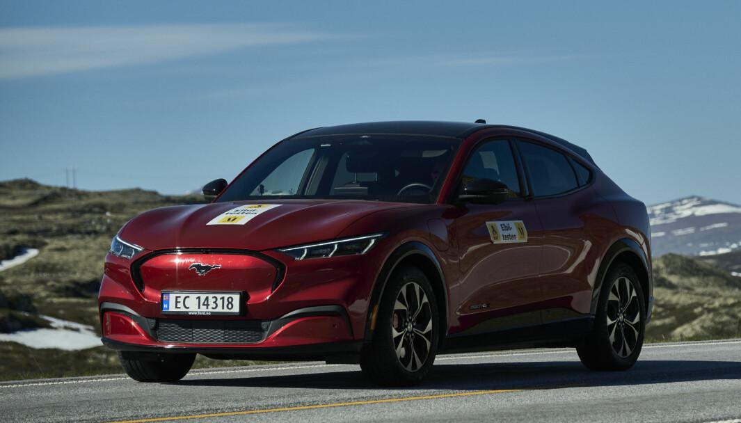 NORSKTOPPEN: Ford Mustang Mach-E er Norges suverent mest populære bil i sommer.