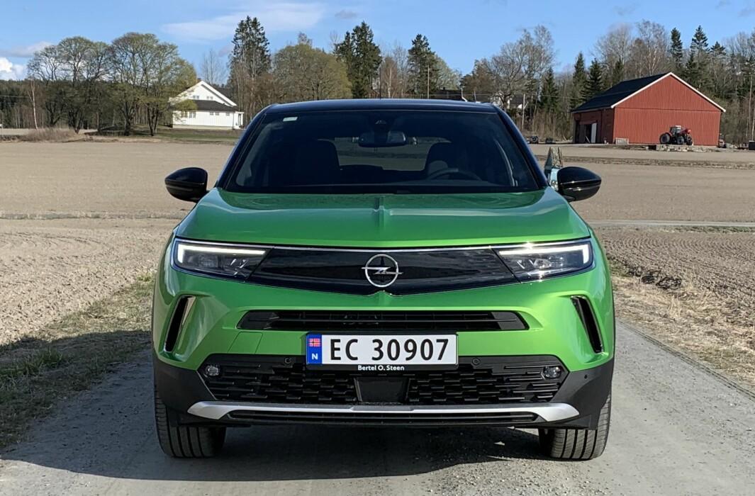 """<span class="""" font-weight-bold"""" data-lab-font_weight_desktop=""""font-weight-bold"""">MANTA-INSPIRERT:</span> Opel-kjennere vil dra kjensel på 70-tallsinspirasjonen i fronten."""