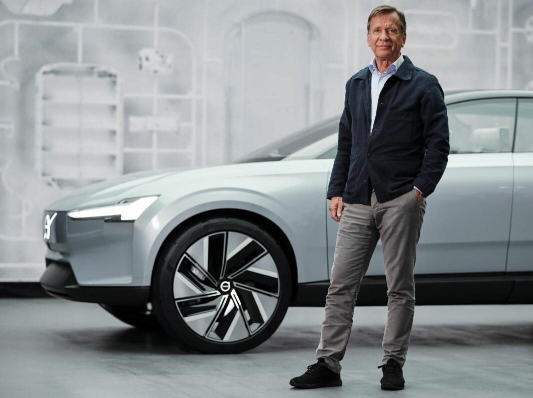 FULL FART FREMOVER: Volvo-sjef Håkan Samuelsson stolt foran modellen Concept Recharge, som viser vei mot merkets neste flaggskipmodell.