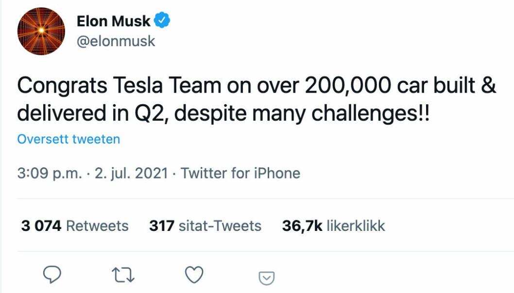 FORNØYD SJEF: Tesla-sjef Elon Musk sendte gratulasjoner til troppene da det fredag ble klart at selskapet passerte 200.000 leveringer i andre kvartal.