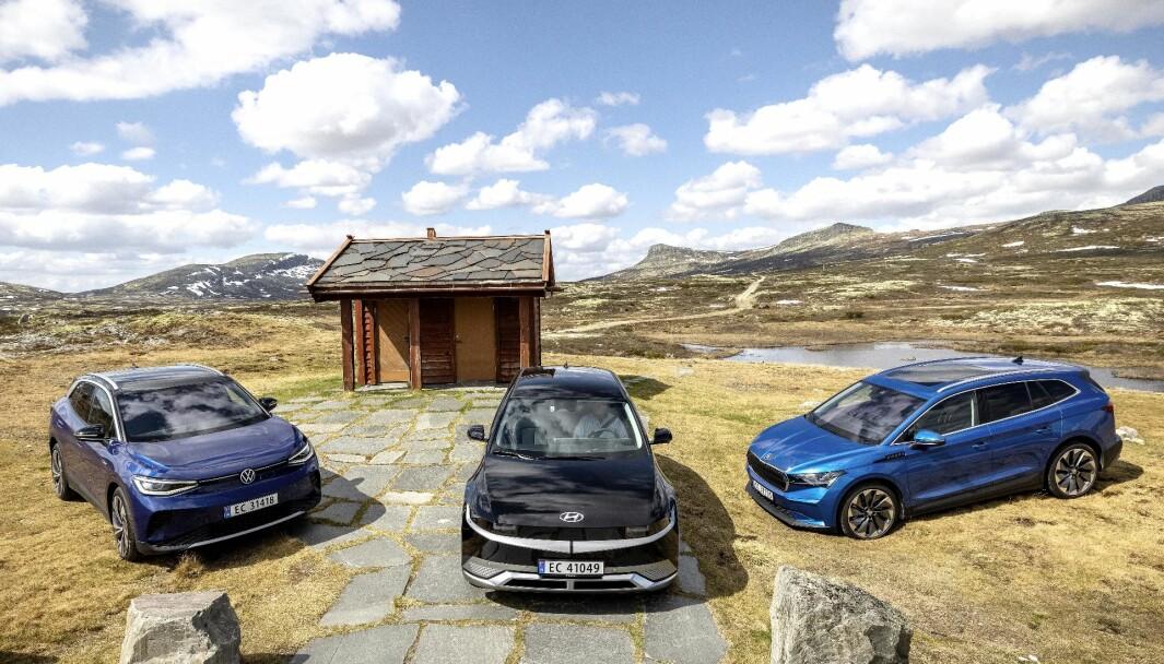 EROBRER NORGE: VW ID.4, Ioniq 5 og Skoda Enyaq (t.h.) er tre de mest populære bilene for øyeblikket.