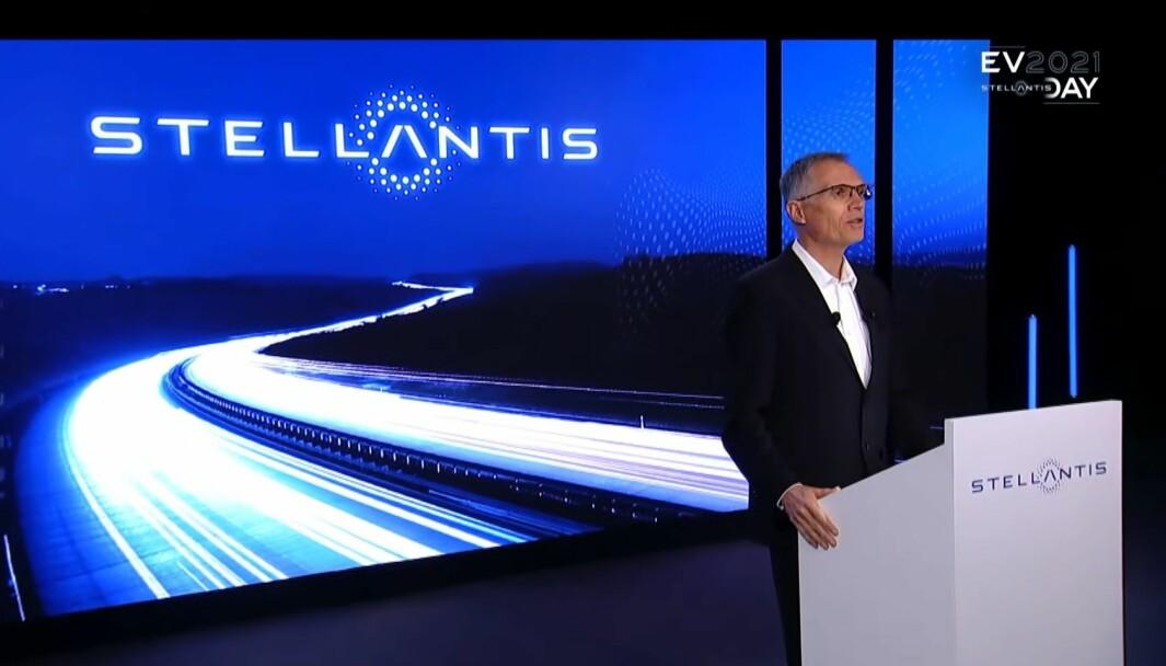 MEKTIG BIL-MANN: Carlos Tavares er blitt en av bilindustriens mektigste som sjef for kjempegrupperingen Stellantis. Og han sikter høyt for alliansen.