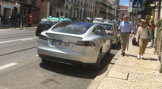 Det er bare rikingene som kjøper elbil i EU