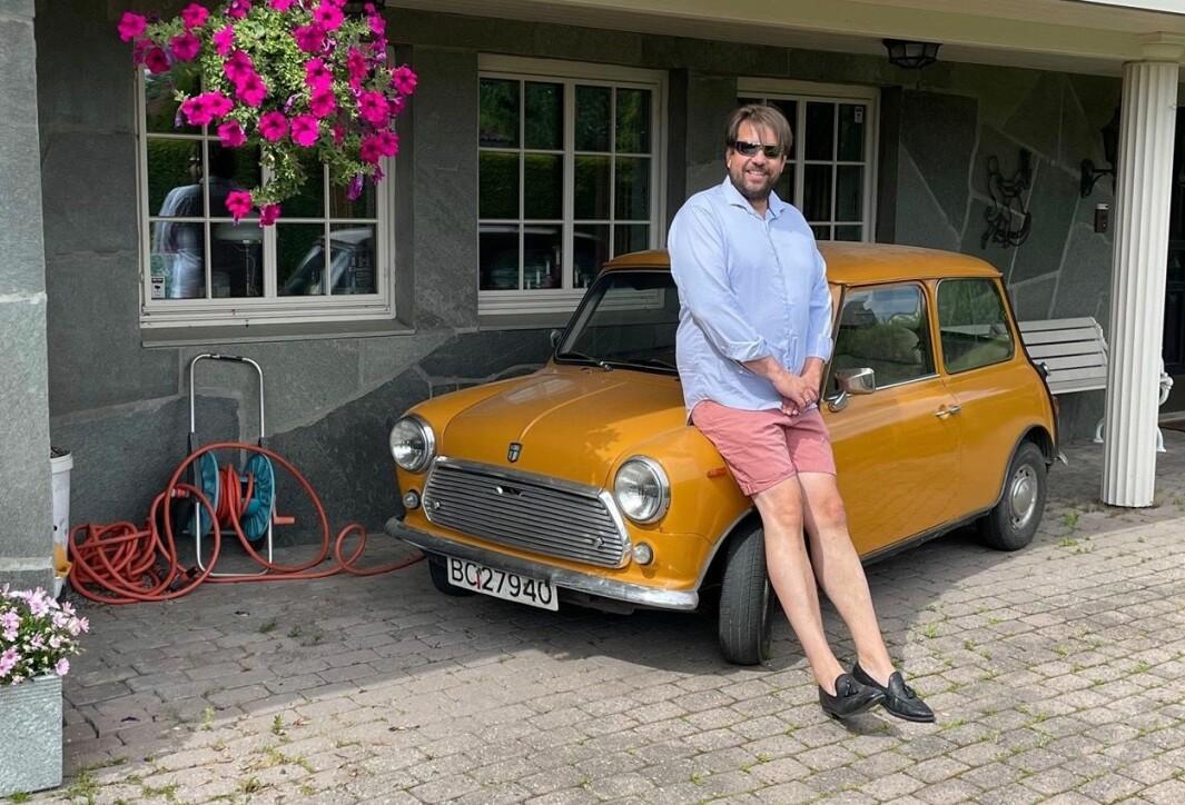 """<span class=""""font-weight-bold"""" data-lab-font_weight_desktop=""""font-weight-bold"""">…OG NÅ:</span> Bjørn Vidar Lazar Braathen fant igjen sin første bil og kjøpte den tilbake."""