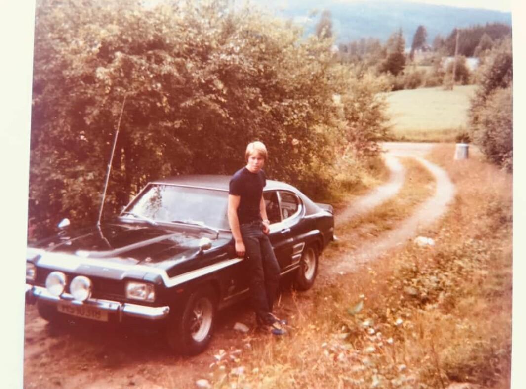 """<span class=""""font-weight-bold"""" data-lab-font_weight_desktop=""""font-weight-bold"""">VEIVALG: </span>For 40 år siden var Morten Olaussen læregutt på bilverksted i Oslo da han tok seg råd til toppmodellen av Ford Capri – riktignok brukt."""