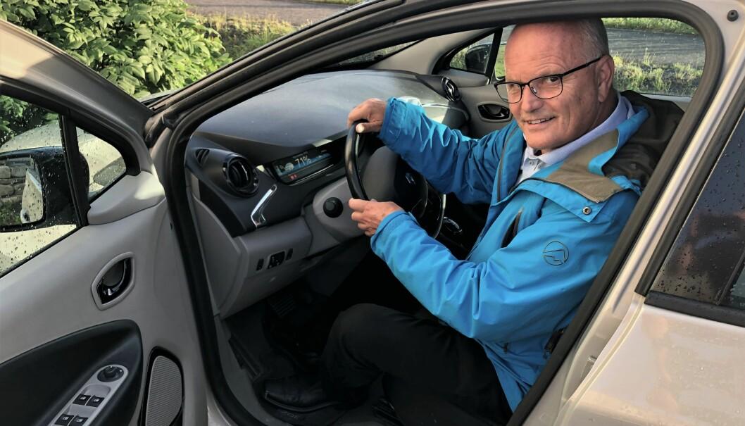 "<span class="" font-weight-bold"" data-lab-font_weight_desktop=""font-weight-bold"">RENAULT ZOE: </span>Sjur Magnus har blant annet en fem år gammel Renault Zoe."