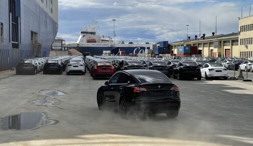 Tesla Model Y suser rett til topps