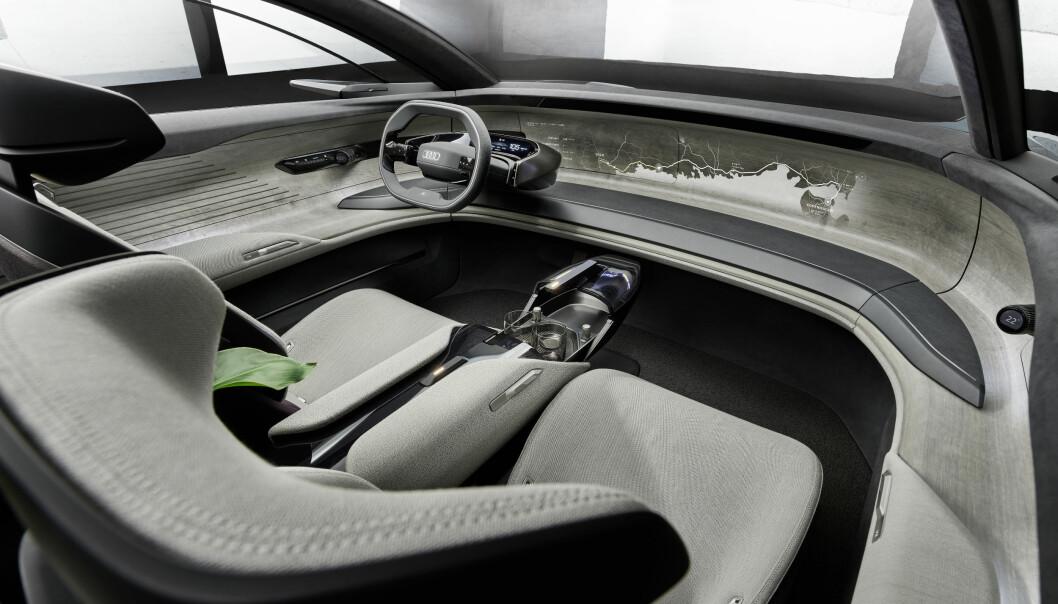 <b>FREMTIDSTITT: </b>Audi-konseptet grandsphere.