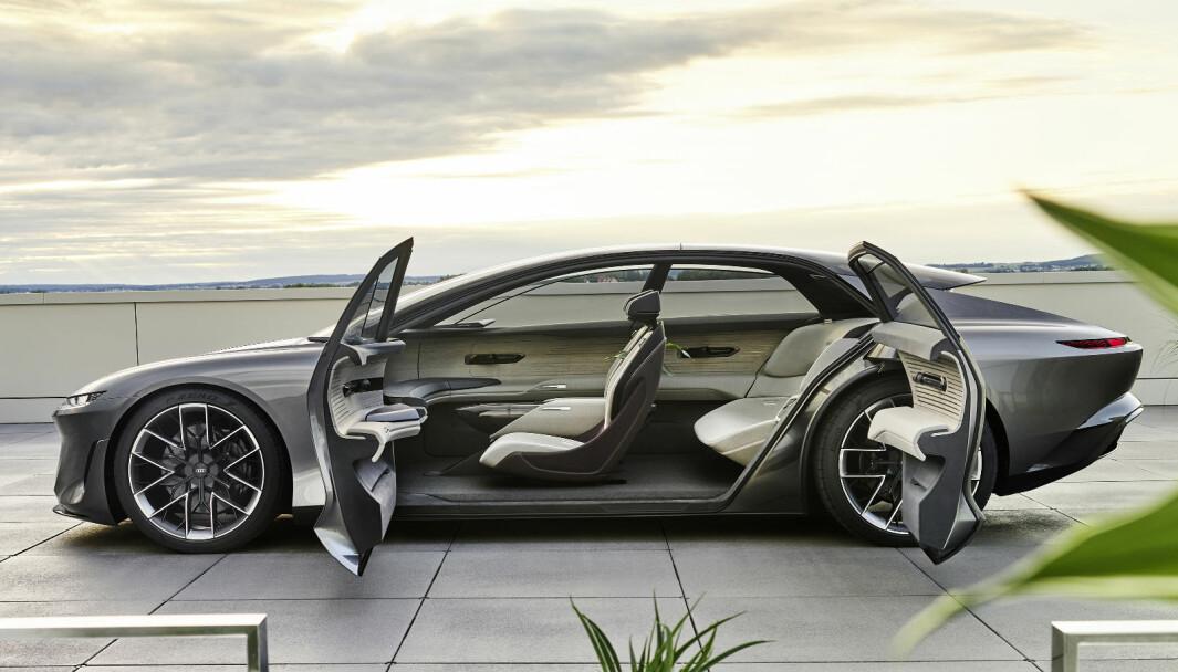 STIG PÅ: grandsphere er det andre av tre konsepter Audi nå viser om fremtidens luksusbiler.
