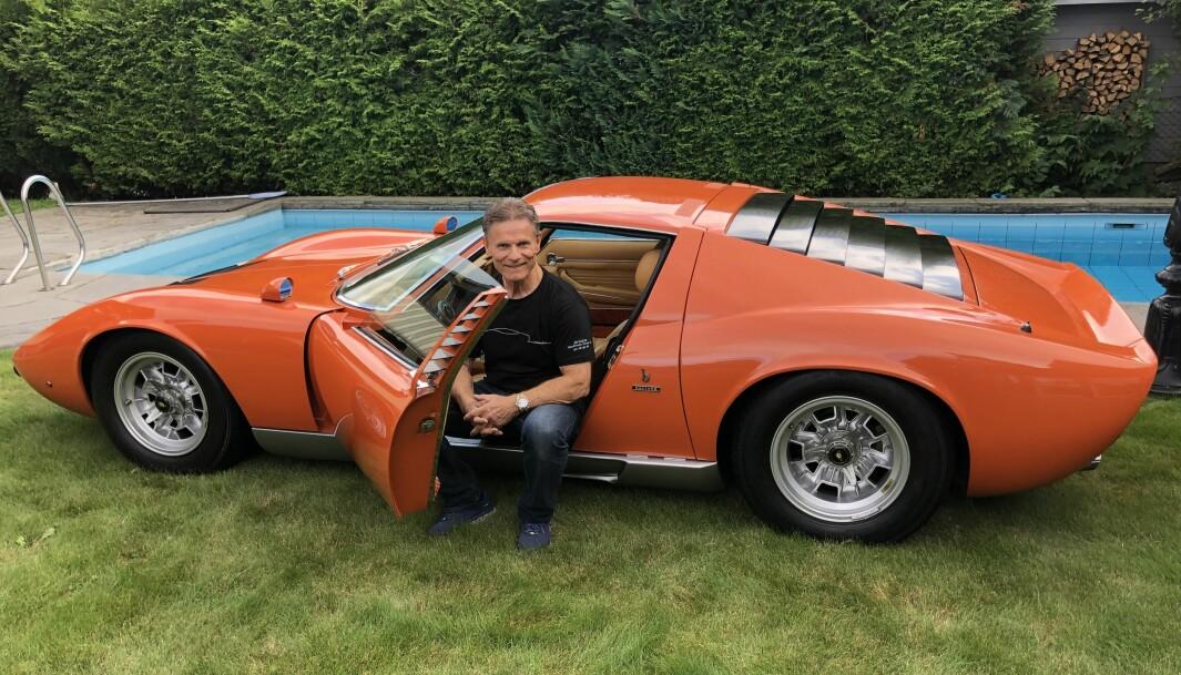 """<span class=""""font-weight-bold"""" data-lab-font_weight_desktop=""""font-weight-bold"""">BIL-LEGENDEN: </span>Lamborghini bygget Miura i kun 764 enheter fra 1966 til 1973. Det sier seg selv at Harald Skjøldts eksemplar fra 1969 er et ettertraktet samlerobjekt, som fikk spesialpris under Lamborghinis eget 50-års jubileum for modellen i 2016."""