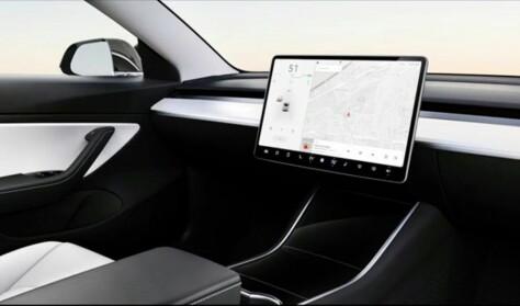 Varsler billig-Tesla uten ratt i 2023