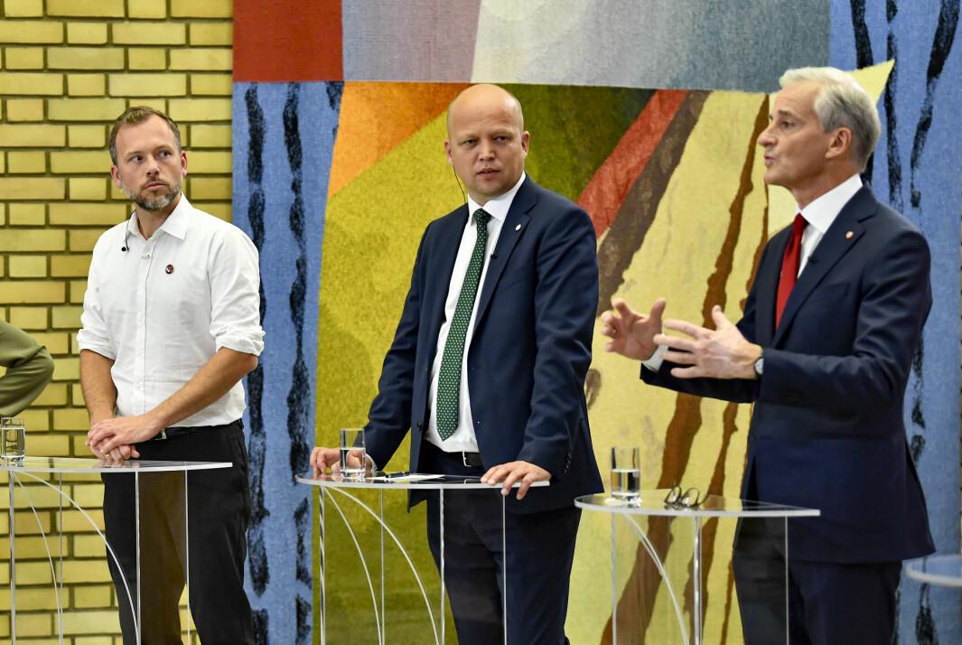 REGJERINGSTRIO? Ap-leder Jonas Gahr Støre (f.h), Sp-leder Trygve Slagsvold Vedum og SVs Audun Lysbakken under partilederdebatten i Stortingets vandrehall etter valget mandag kveld.