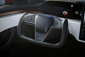 Tesla-rattet får hard kritikk etter de første testene