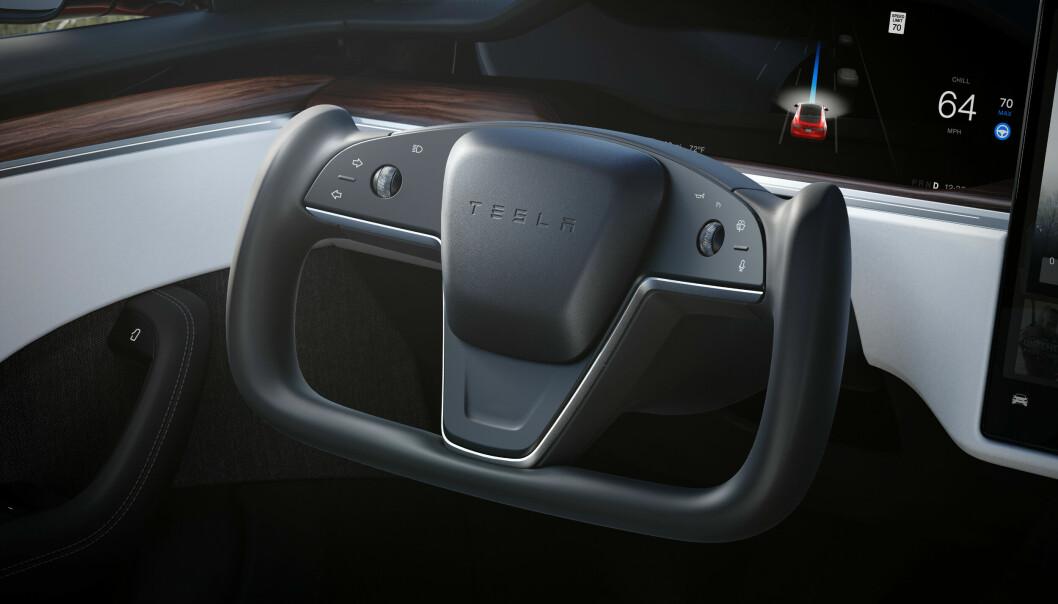 UVANT: Dette rattet finner man nå i en Tesla Model S. Uvant for ferske testkjørere.