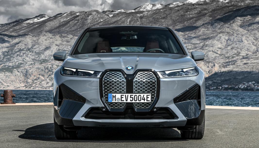 NYTT FJES: BMW iX testes av motorpressen i disse dager, og lanseres offisielt i Norge 11. november.