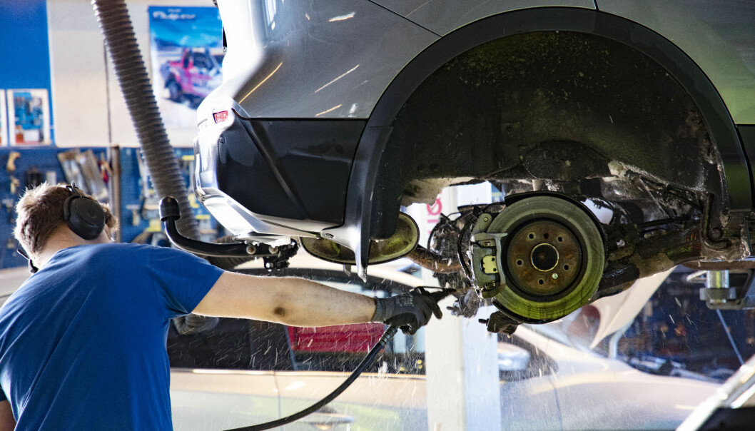 NEPPE EVIGVARENDE: Bremseklosser er slitedeler, mener de fleste. Kjøperen av en gammel bruktbil hadde et annet syn på saken.